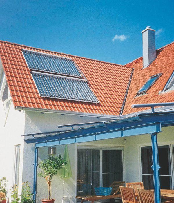 Bild_Solar_Kollektor_Dach_02_VI_Sonne_4c (1) (1)